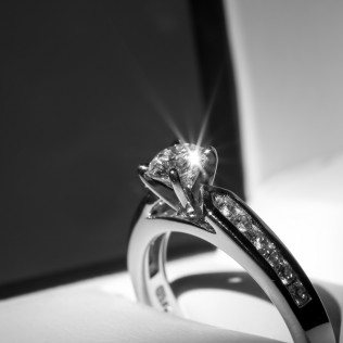 Fine Jewelry Store with custom jewelry, engagement rings and more